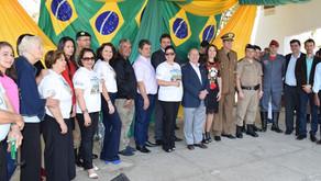 Milhares de pessoas prestigiam Desfile Cívico em Manhuaçu