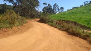 Melhorias em estradas prosseguem em todo o município