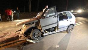 Carro fica destruído em acidente em Dom Corrêa