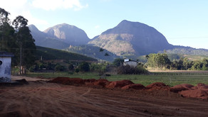 Prefeitura realiza desaterro para construção da Unidade de Saúde de Manhuaçuzinho