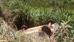 Veículo de morador de São Pedro do Avaí capota em Durandé