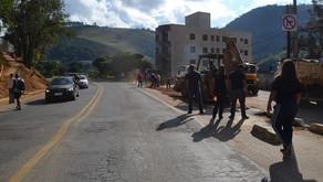 Rua próximo ao poliesportivo em Manhuaçu está liberada para saída de veículos a BR 262