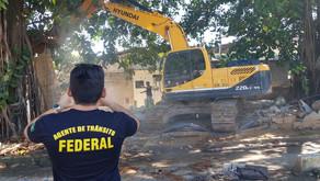 Construção irregular é derrubada pelo DNIT
