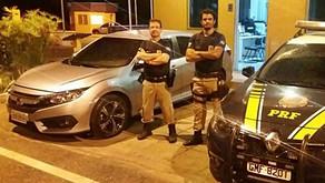 PRF apreende Honda Civic roubado e clonado no RJ