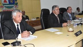 Câmara de Manhuaçu aprova projeto que estabelece Proposta Orçamentária do município e recebe visita