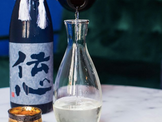 How does SMV (日本酒度) affect the taste of sake?