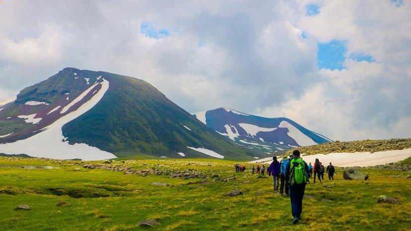 ARMENIA, Trekking y monasterios