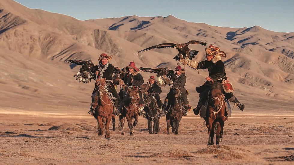 MONGOLIA,  Los Kazakh, Los Nómadas en las montañas