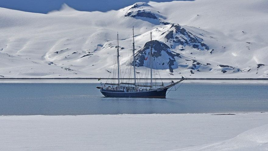 NORUEGA, SVALBARD, Norte de Svalbard, Primavera Ártica