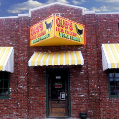 Gus's World Famous Fried Chicken (The Best Southern Fried Chicken and Fixings We've Ever Had! Atlanta, GA - January 2020).