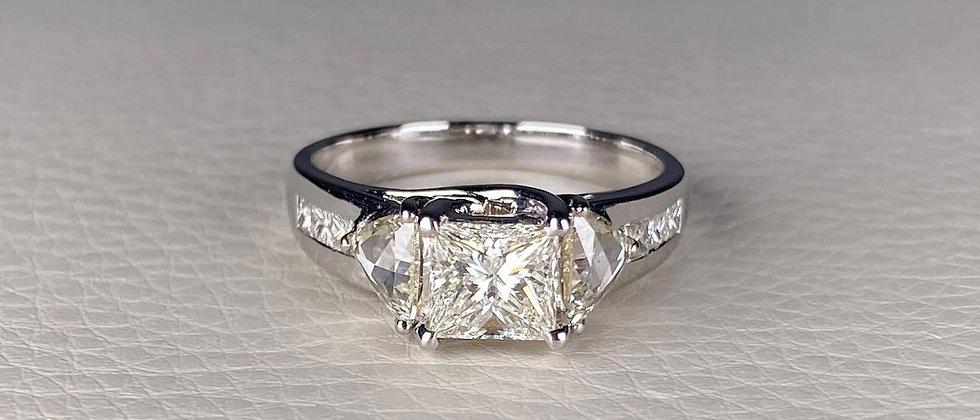 18K Princess Square Ring