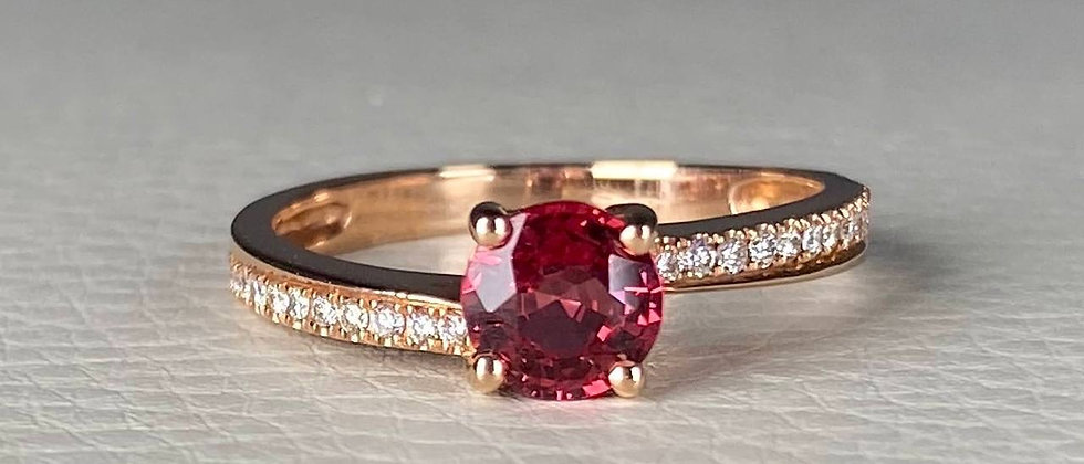 Twisted Spinel Ring