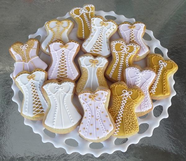Corset cookies 3_4_16