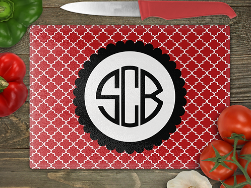 "11"" x 8"" Moroccan with a Scalloped Circle Monogram Cutting Board"