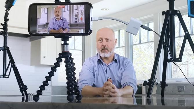 Quarantine Video - Kit for Smart       Smartphone Self-Service Filming