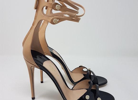 Gucci sandali neri-nude vernice