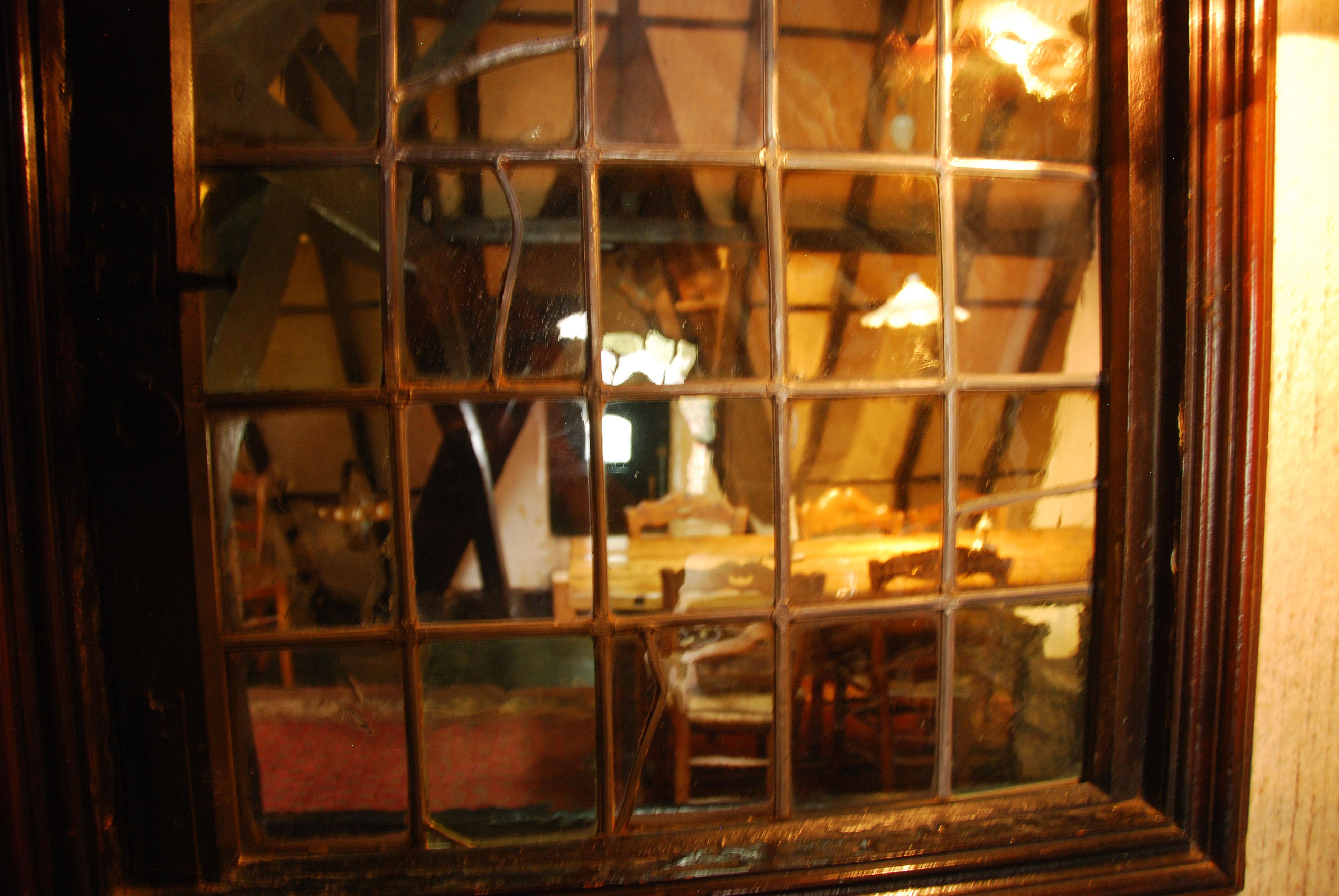 Huisje van Majutte zolder brandglas