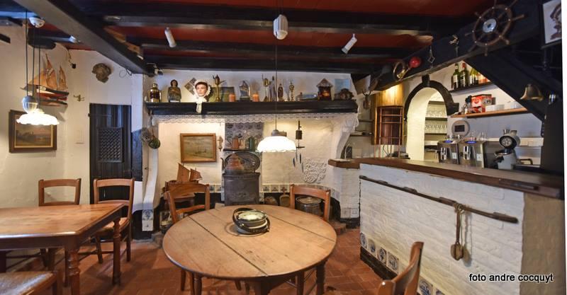 Huisje van Majutte living tafel