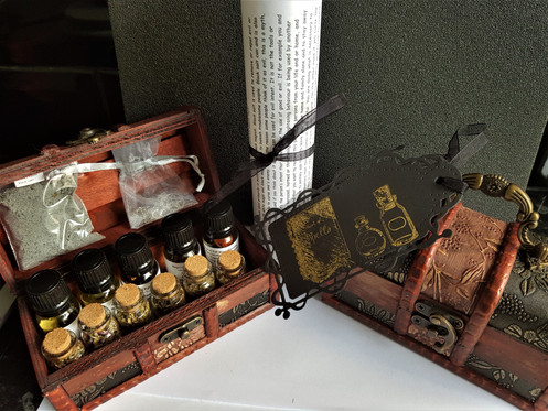 Witches Altar Chest Kit ~ Potent Altar Oils ~ Herb Potions ~ Pentagram  Pendant