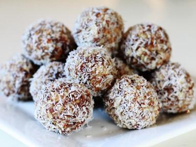 Diabetes Friendly Snacking - Date Nut-Butter Bites