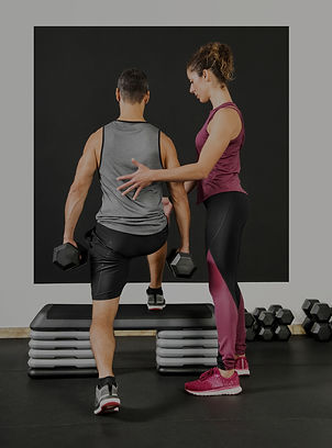 Personal-trainer-at-work-475124_edited.j