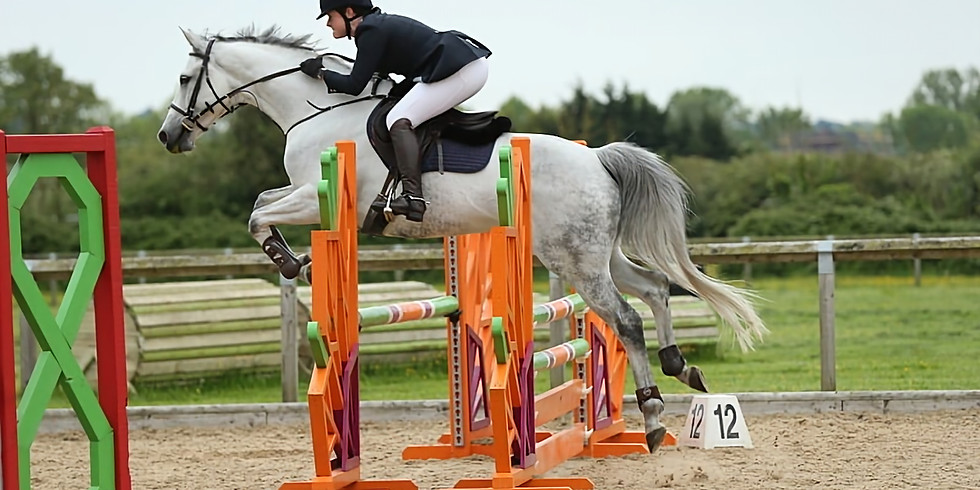 Show jumping practice with Pauline Ricketts