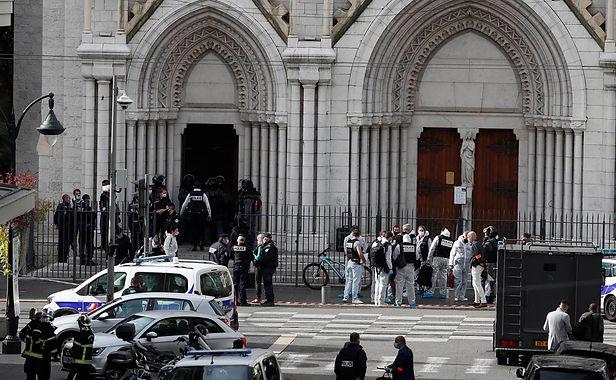 Atentado en Niza dejo tres muertos dentro de una catedral del sur de Francia
