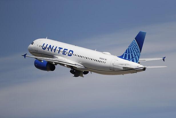 16 mil trabajadores serán despedidos en octubre de la aerolínea United Airlines