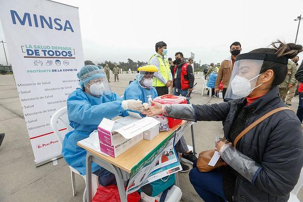 Perú se acerca al millón de personas recuperadas de covid-19 a puertas de una segunda ola