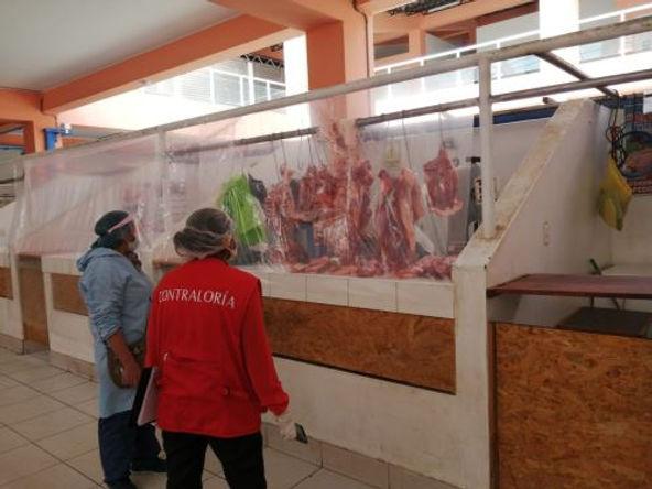 Riesgo de contagio en mercado de Pampas en Huancavelica