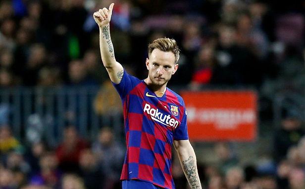 Rakitic se desvincula del FC Barcelona y firma con el Sevilla hasta 2024