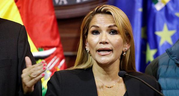 Presidenta de Bolivia asegura que ya pasó lo peor del covid-19