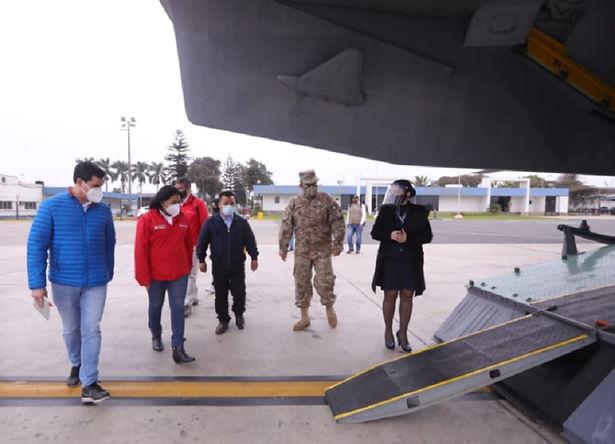 Ministra de Justicia viaja a Junín llevando ayuda medica
