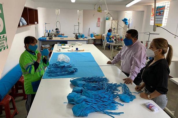 Municipio elabora 4,500 mascarillas para personal de salud, limpieza y seguridad en Chimbote