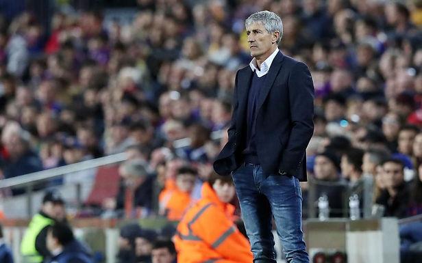 Barcelona le dice adiós a su entrenador Quique Setién
