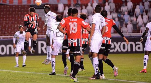Flamengo venció, Nacional clasificó y River Plate destacó