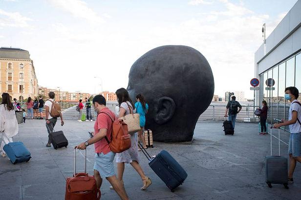 OMS recomienda cuarentenas y otras medidas a viajeros internacionales