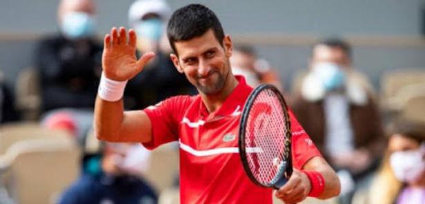 Djokovic avanza a cuartos de final en el Roland Garros