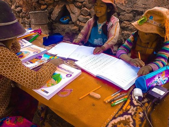 4 mil 500 escolares de zonas rurales continuaran su educación de manera remota