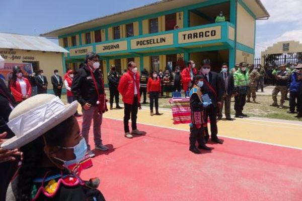 Escolares y docentes de Puno recibirán 100 mil tabletas electrónicas