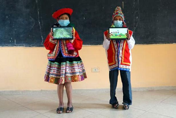 Para elevar el aprendizaje Minedu inicia entrega de Tabletas en Cusco