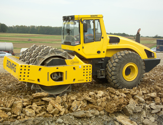 Bomag Single Drum Rockcrushing Roller