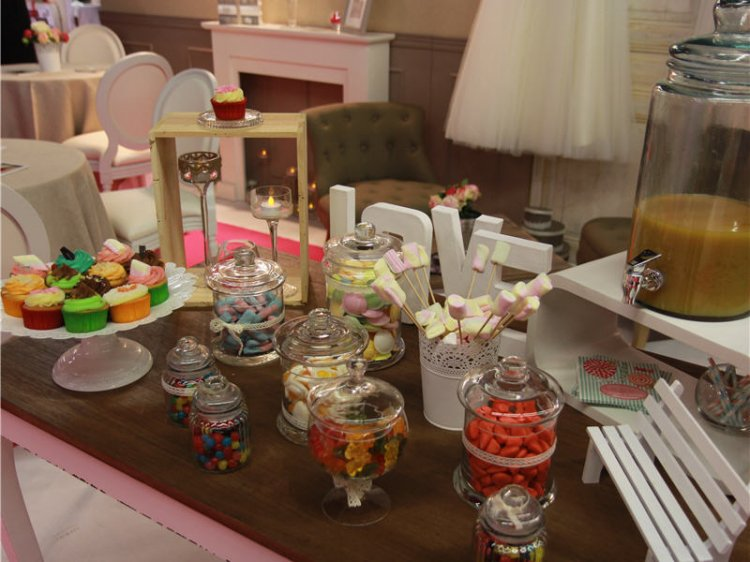 1831309-life-s-events-un-candy-bar-comme-a-la-maison.jpg