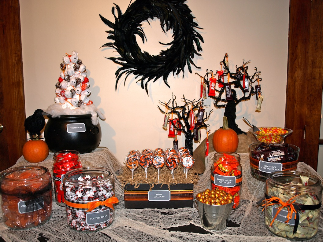 halloween candy bar (1).JPG