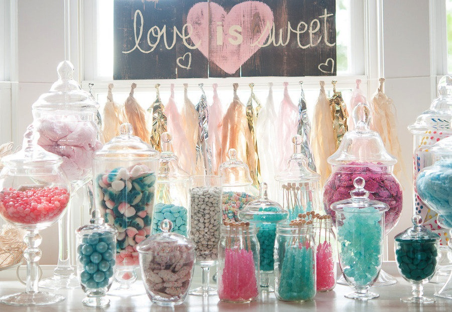 aqua-pink-wedding-candy-bar-onewed-224506.jpg