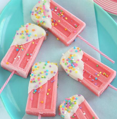 Strawberry_milk_icepops_v2.DmgnoQ.jpg