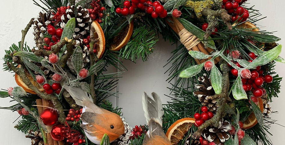 Traditional reds and robins - Wreath S