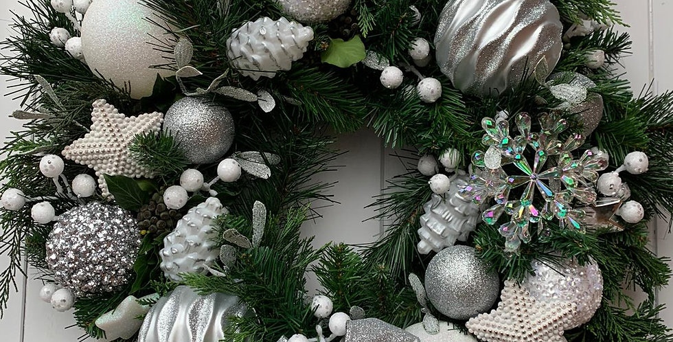 Whites and silver - Wreath Q