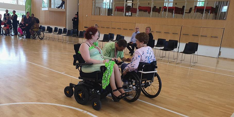 Præmieoverrækkelse til Danish Wheelchair Dance Cup 2019