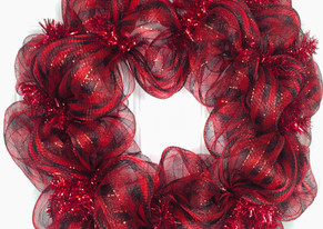 How to Make a Simple Deco Mesh Wreath - Loop Method